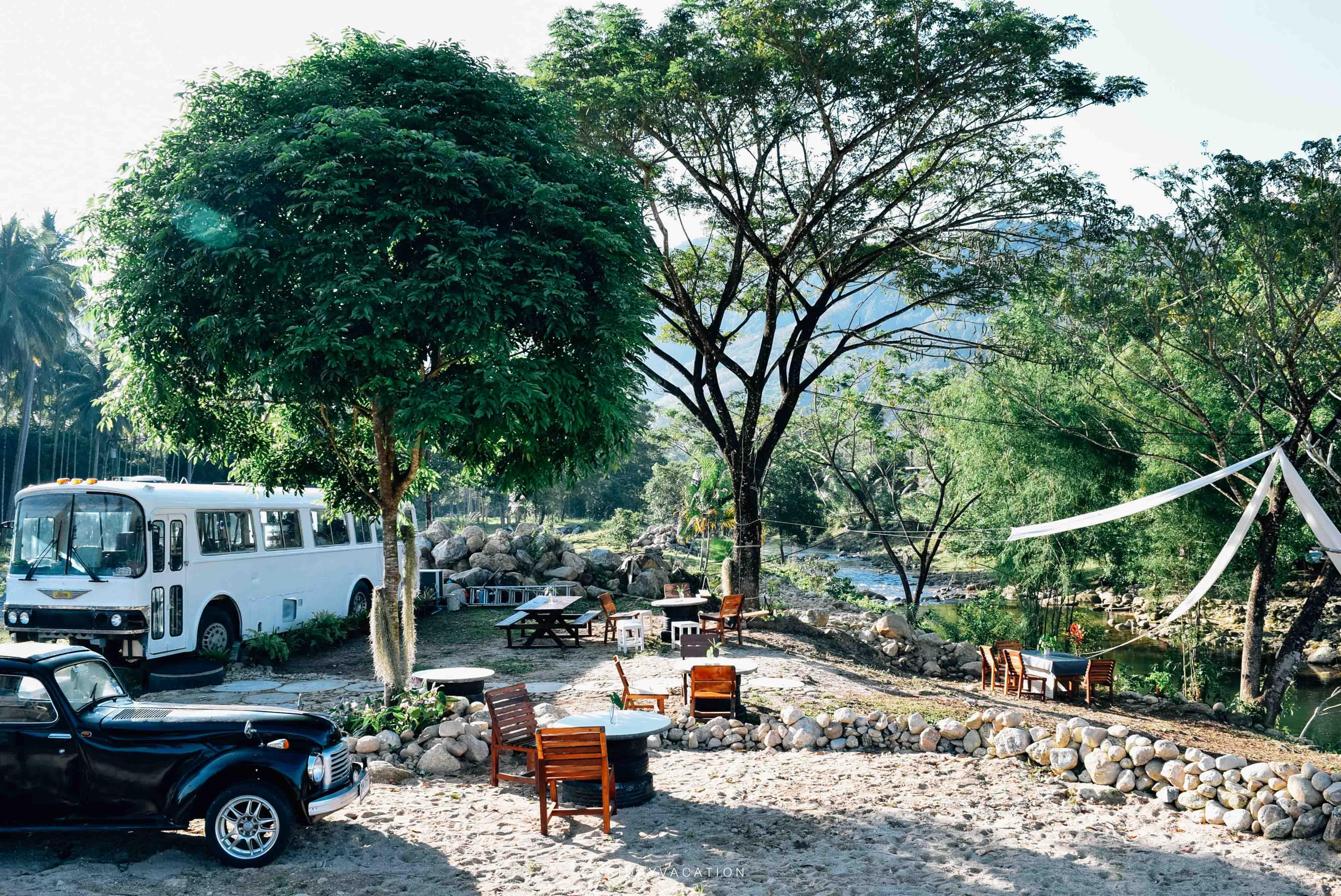 Bus cafe ช้างกลาง นครศรีดีย์