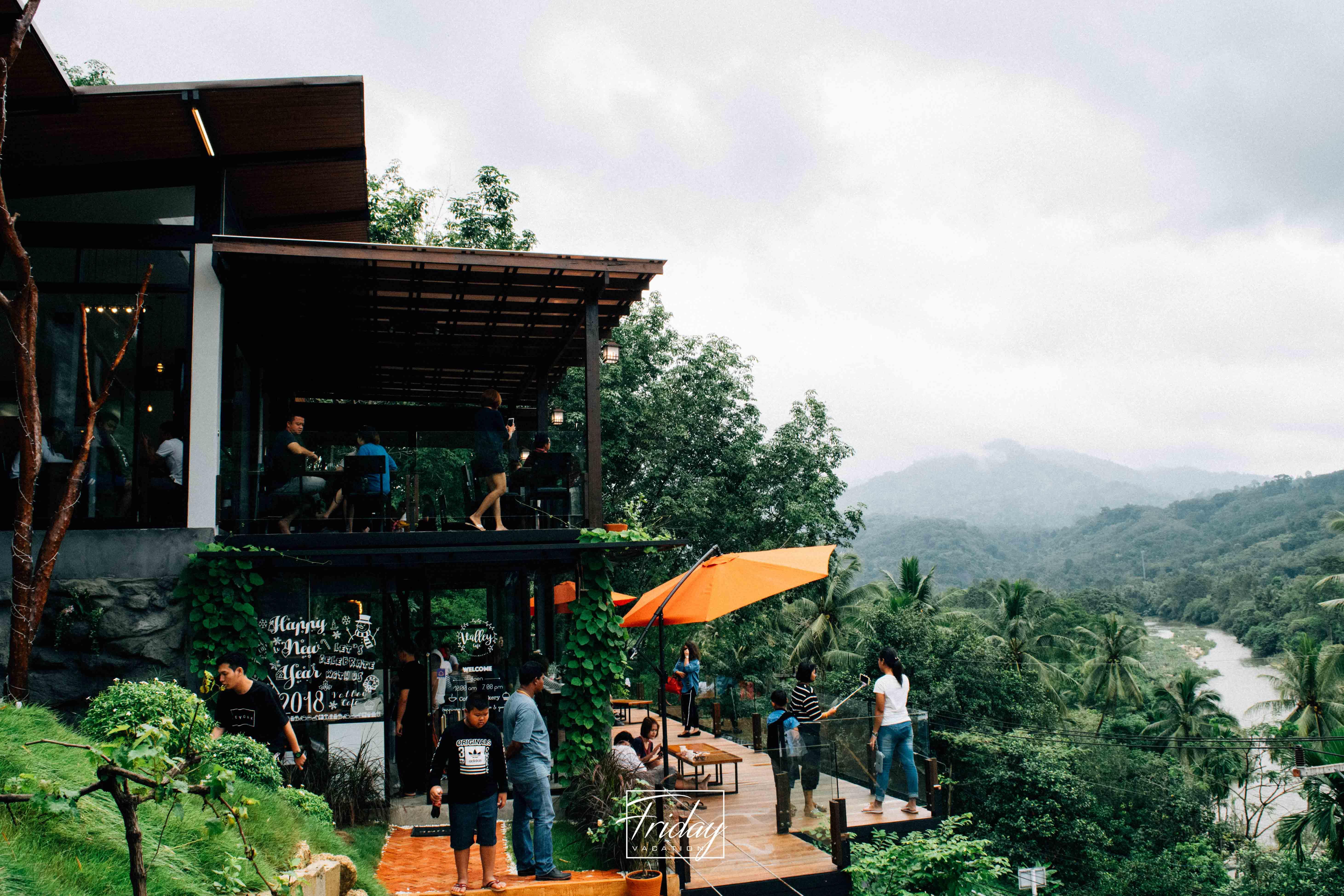 The Kiriwong valley ร้านกาแฟวิวหลักล้านแห่งหมู่บ้านคีรีวง นครศรีดีย์